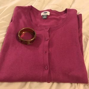 💗Hot pink Old Navy sweater XXL and bracelet💗